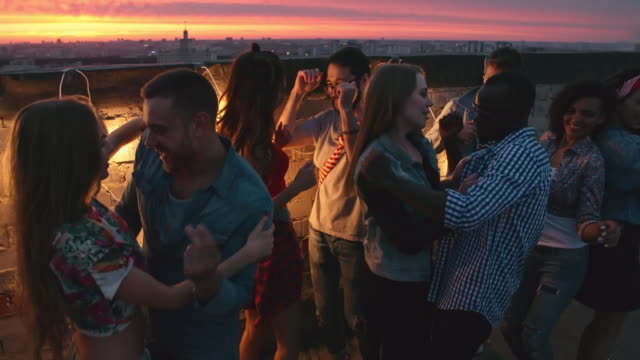 Dancing-at-Romantic-Rooftop-Party