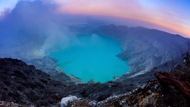 Kawah-Ijen-Volcano-Crater-Landmark-Nature-Travel-Place-Of-Indonesia-4K-Dawn-To-Day-Time-Lapse