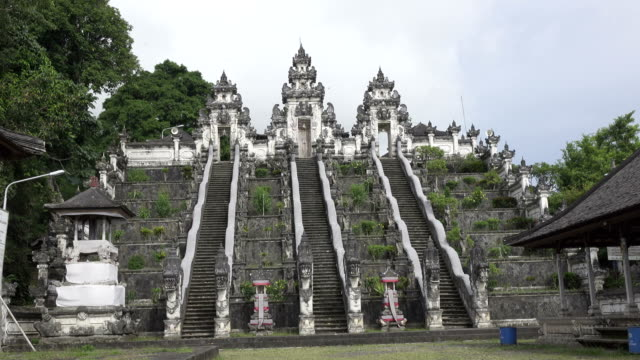 Beautiful-steps-in-Lempuyang-temple-in-summer-sunny-day-Bali-Indonesia