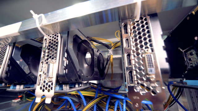 Functioning-machines-for-bitcoin-mining-located-in-a-mining-rig