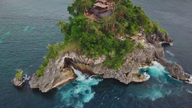 Isla-de-monje---Bahía-de-cristal-Nusa-Penida