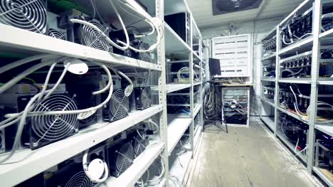 General-view-of-a-mining-rig-with-plenty-of-mining-equipment
