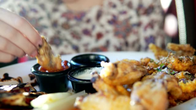 Sauces-to-a-dish-in-a-cafe-
