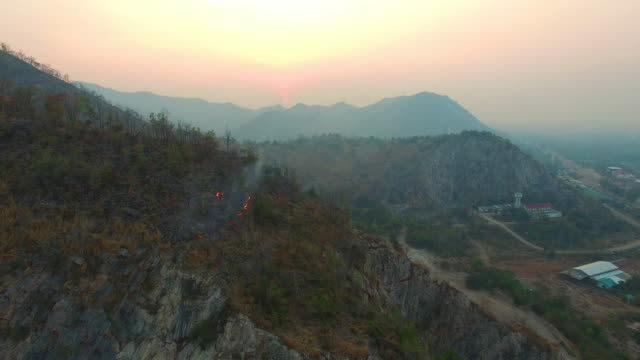 Wildfire-on-the-mountain-until-morning
