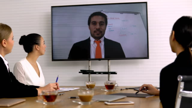 Video-Conference-in-meeting-room-
