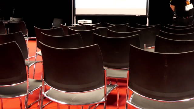 Lecturer-speaking-to-empty-chairs