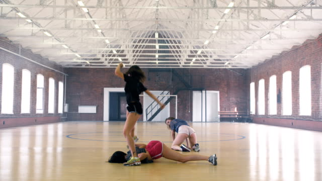 Girls-twerking-in-sport-gym