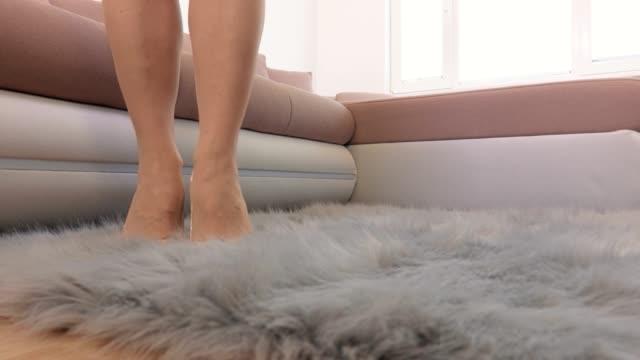 Woman-in-high-heels-dance-on-floor