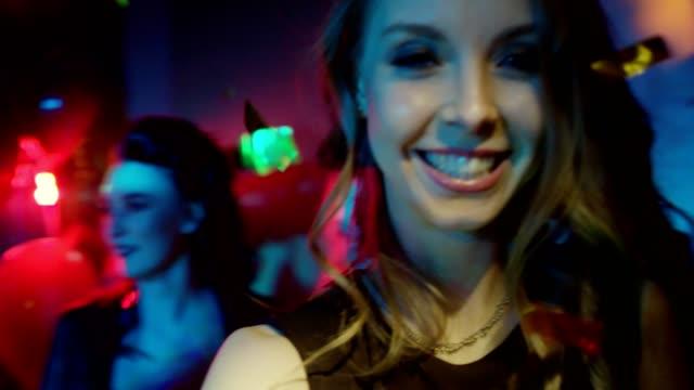 Tiempo-Selfie-en-una-discoteca