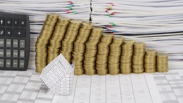 Bancarrota-han-paso-de-monedas-de-oro-lapso-de-tiempo-de-calculadora