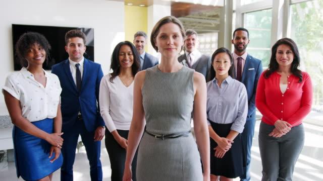 Team-von-Unternehmer-und-Unternehmerinnen