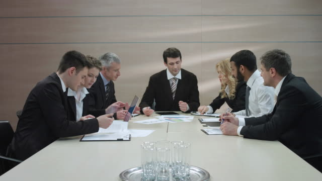 Business-meeting-