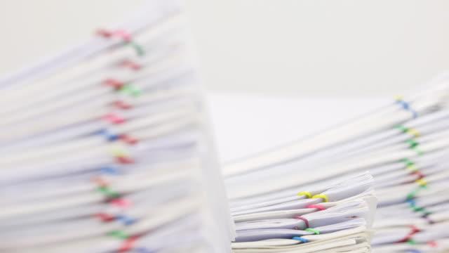 Trámites-documento-de-blur-como-primer-plano-y-fondo-de-lapso-de-tiempo