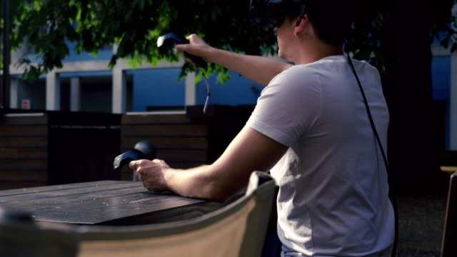 Virtual-Menu-Selection-with-Motion-Sensing-Controllers-4