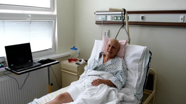 woman-patient-with-cancer-in-hospital