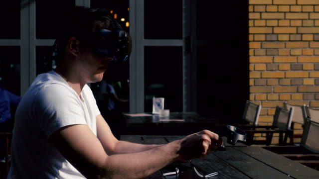 Virtual-Menu-Selection-with-Motion-Sensing-Controllers-Profile