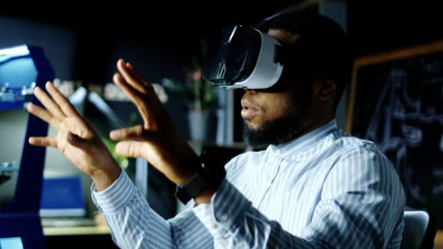 Laboratory-worker-in-VR-glasses