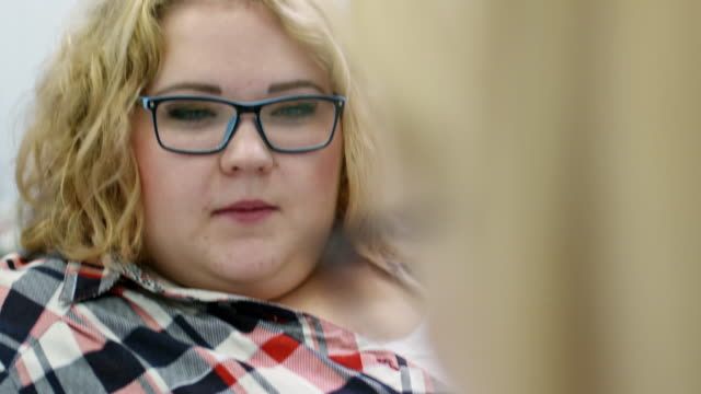 Overweight-Woman-on-Doctors-Appointment