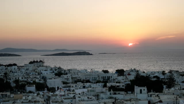 sunset-zoom-in-view-of-the-town-of-chora-on-mykonos