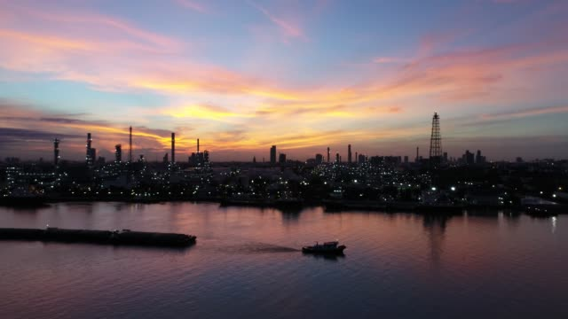 Oil-and-gas-industry---refinery-factory---petrochemical-plant-panorama-view