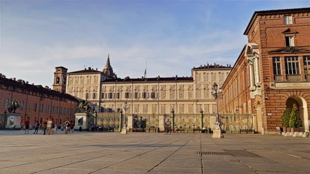 Piazza-Castello-palazzo-Reale-Lapso-de-tiempo---Turín-Italia-