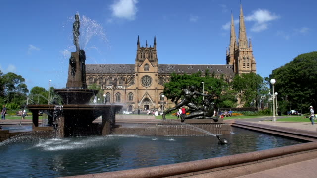 Hyde-park-fountain-with-St-Mary-Cathedral-on-the-background-in-sydney