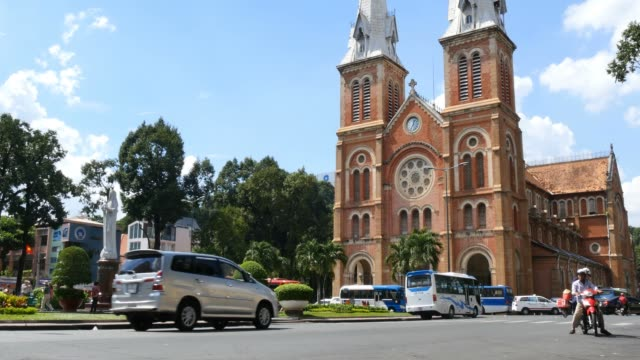 HO-CHI-MINH-/-SAIGON-VIETNAM---NOVEMBER-2015:-Saigon-Notre-Dame-Basilica