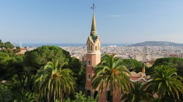 Panning-shot-of-Barcelona-skyline-View-from-Guell-park