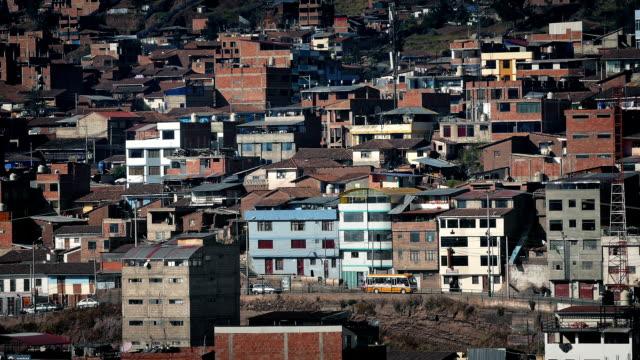 Urbanización-en-los-países-en-desarrollo-en-día-soleado