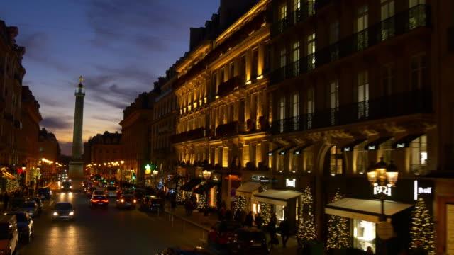 iluminación-nocturna-de-Francia-panorama-de-pov-calle-Paseo-París-Double-Decker-bus-4k
