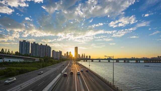 Timelapse-Traffic-at-Sunset-in-Seoul-City-South-Korea-
