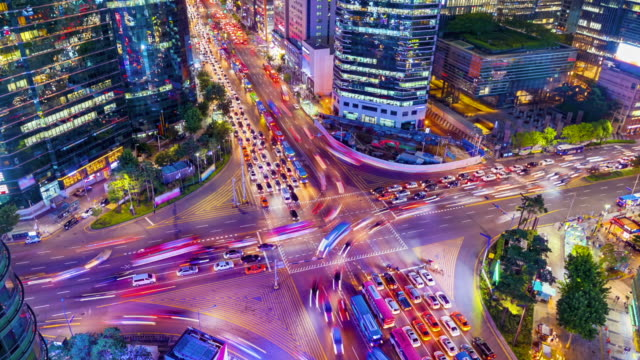 Timelapse-Traffic-at-night-in-Gangnam-City-Seoul-South-Korea-Zoom-out