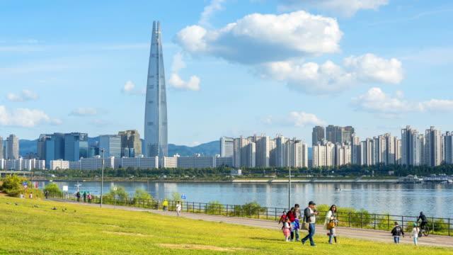 Lapso-de-tiempo-del-horizonte-de-la-ciudad-de-Seoul-en-Seúl-Corea-del-sur
