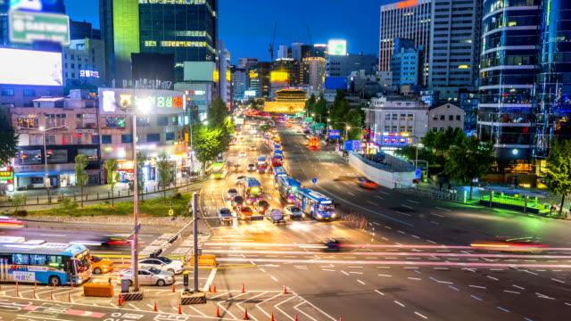 Time-lapse-of-traffic-in-Seoul-City-and-Namdaemun-Gate-South-Korea