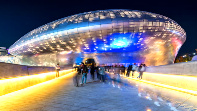 4K-Time-lapse-View-Walking-people-of-the-city-Seoul-at-night-South-Korea