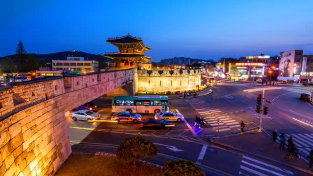 Timelapse-Traffic-of-Suwon-Changanmun-gate-of-Hwaseong-Fortress-in-Suwon-South-Korea-