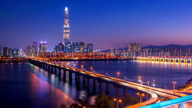 Time-lapse-of-Seoul-City-Skyline-South-Korea-