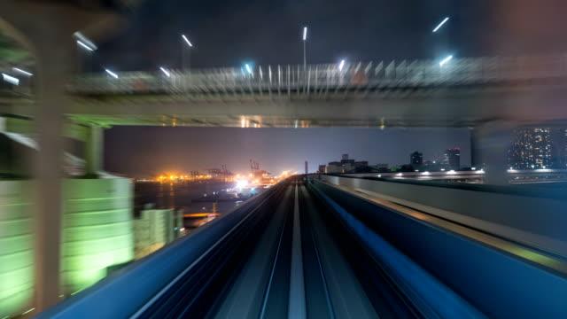 Zeitraffer-der-automatische-Zug-bewegen-Tunnel-in-Tokio-Japan-4K