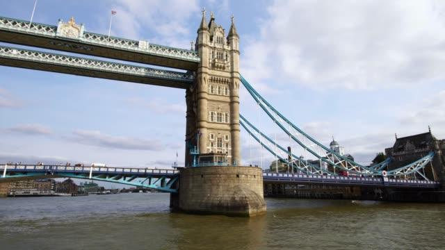 icónico-Tower-Bridge-en-Londres-Gran-Bretaña