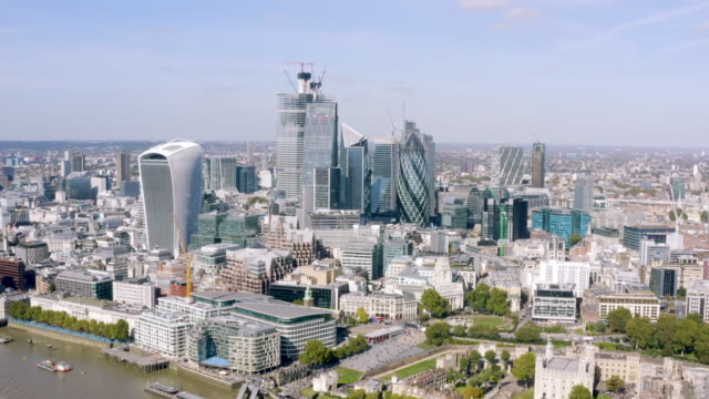 Modern-Office-Towers-Aerial-View-in-Business-and-Financial-District-in-London