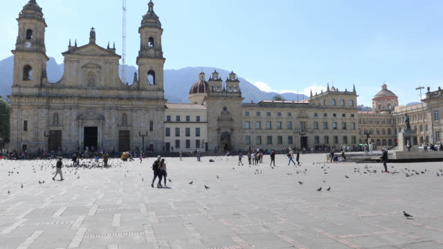 Bolivar-Platz-und-Kathedrale-von-Kolumbien-Bogota