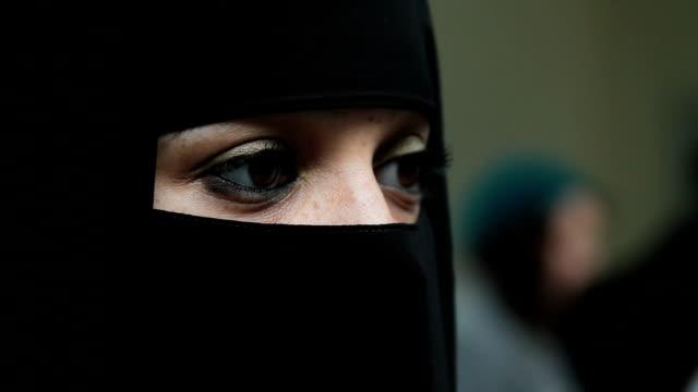 woman-wearing-Burqa/Burkha-veil