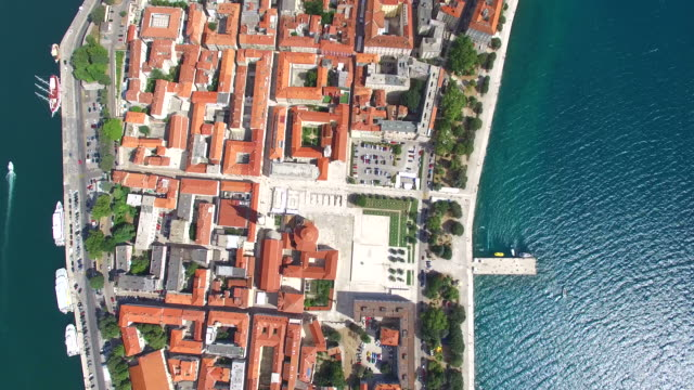 Aerial-view-of-rooftops-in-Zadar