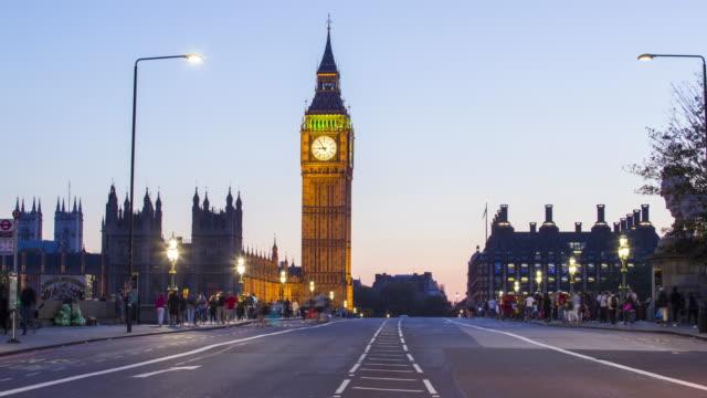 Londres-el-tráfico-en-el-puente-de-Westminster