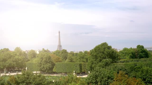 Blick-auf-den-Eiffelturm-in-Paris-in-4-k-Slow-motion