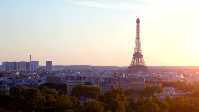 Aerial-view-on-Eiffel-Tower-in-Paris-on-the-sunset-in-4k
