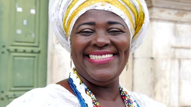 Mujer-brasileña-de-origen-africano-Bahia-Brasil
