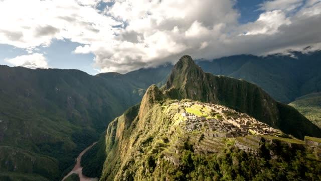 Video-Time-lapse-panorámica-de-Machu-Picchu-en-Perú