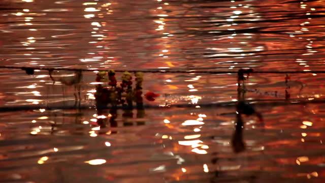 Hermosos-colores-de-la-noche-que-reflejan-la-salida-de-la-Ganges:-Varanasí-India
