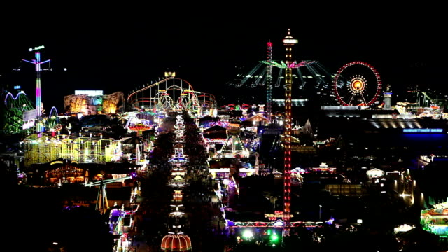 Overview-of-the-Oktoberfest-by-night